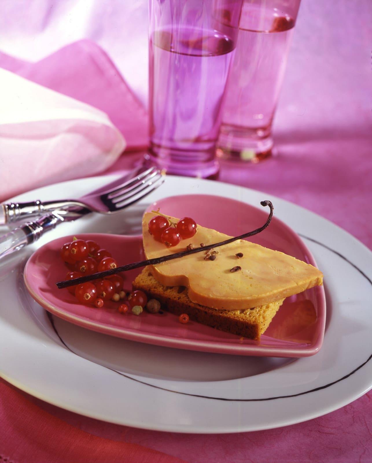 Le-Foie-Gras-sur-canape-pain-d-epices---CIFOG-Ph.ASSET-ADOC.JPG