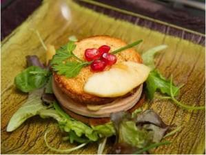 Mille-feuille de foie gras aux pommes et grenades