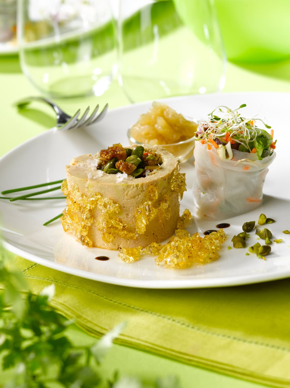 Terrine-Foie-Gras,-nems-de-légumes,-compotée-granny-smith