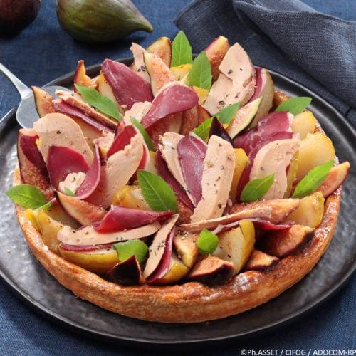 Découvrez notre délicieuse recette de saison : la tarte aux poires, figues et Foie Gras