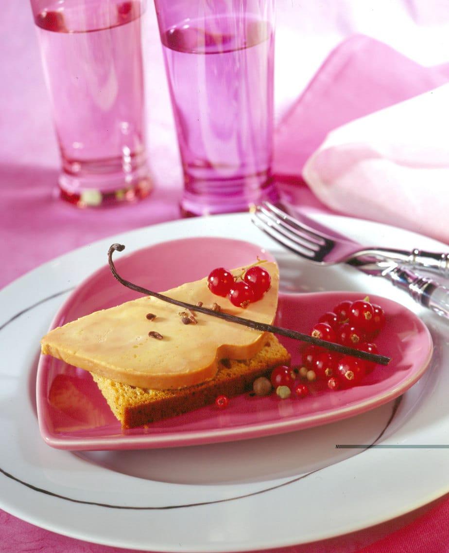 Foie Gras sur canapé de pain d'épices - Ph.ASSET / CIFOG / ADOCOM-RP