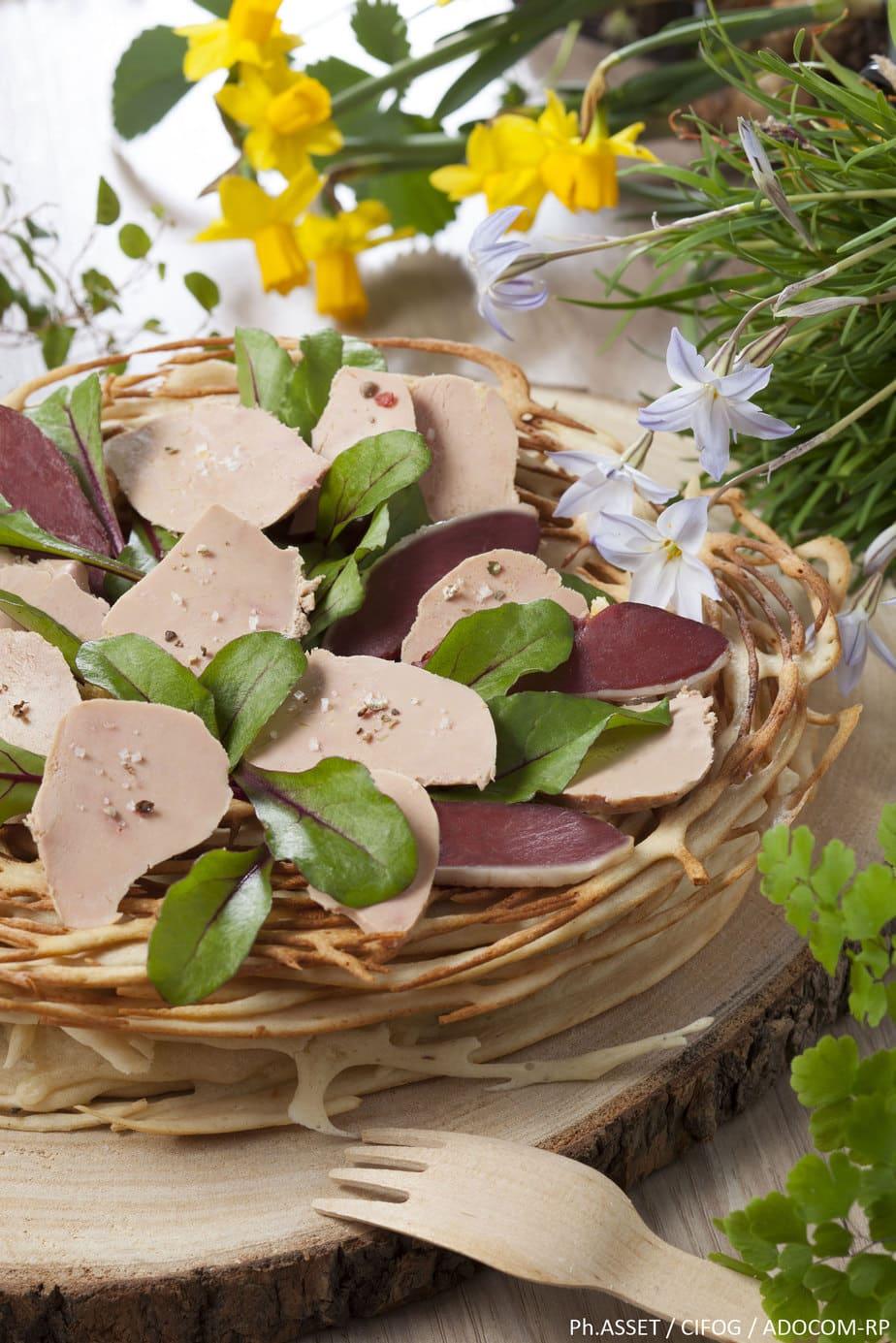 Le nid au Foie Gras et magret en pâte à gaufre - Ph.ASSET / CIFOG / ADOCOM-RP